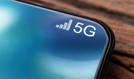 Mobile device connected to 5G network